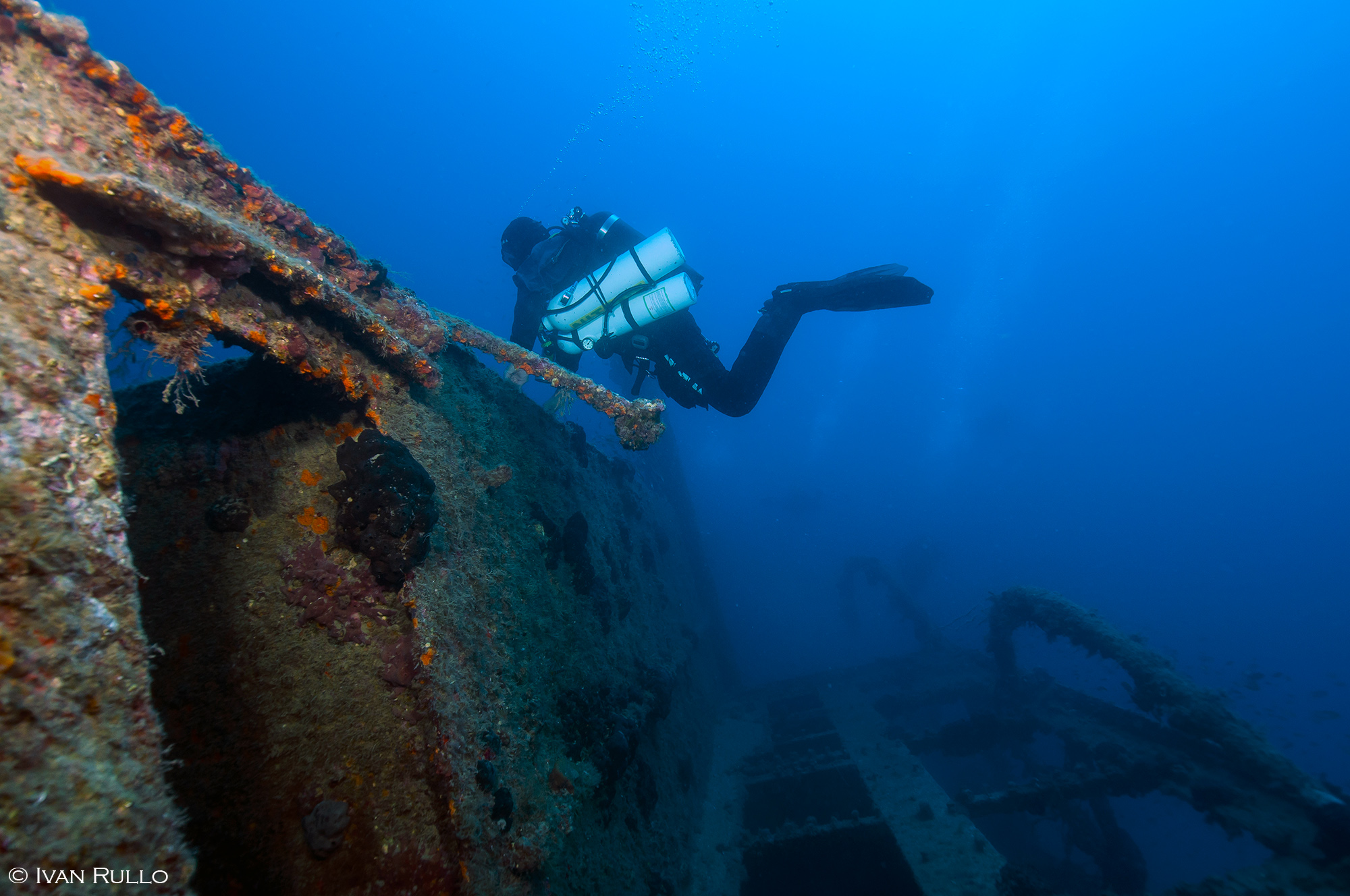 L IR8569 Relitto Laura Cosulich